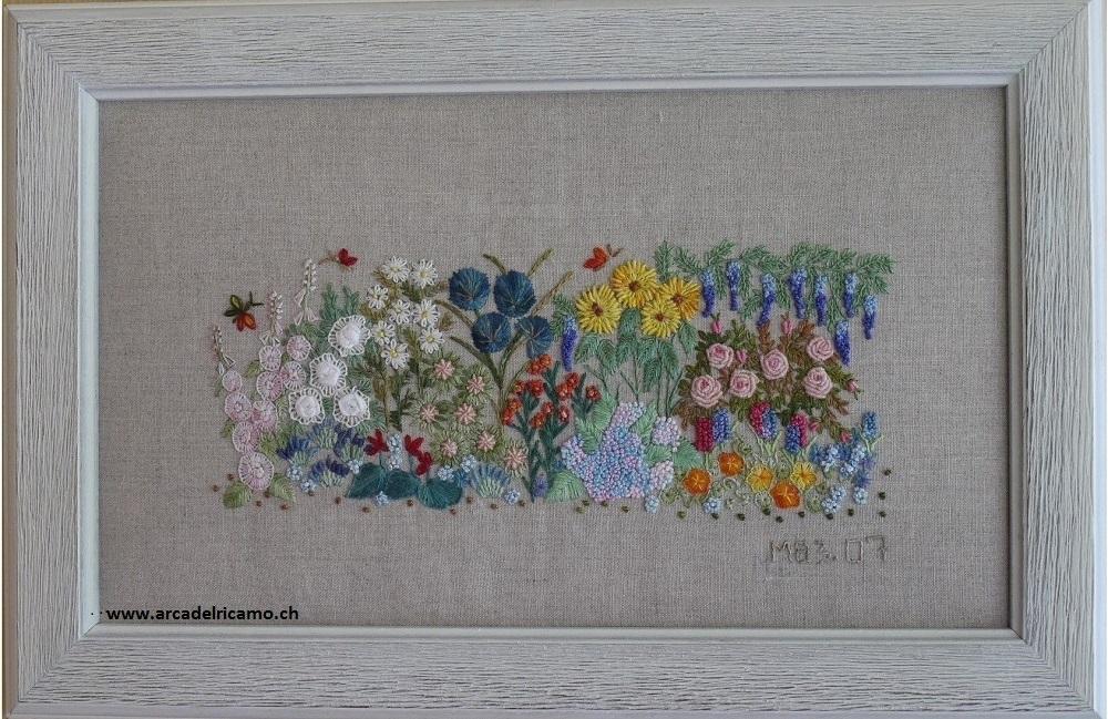 ricamo-tradizionale-un-fiore